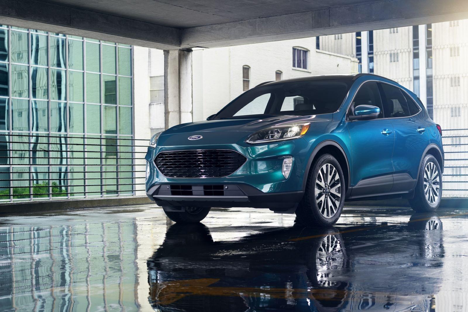 Ford Escape Vs Chevy Equinox >> 2020 Ford Escape Vs 2020 Chevrolet Equinox Rydeshopper Com